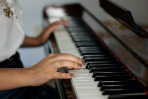 musiklärare i piano